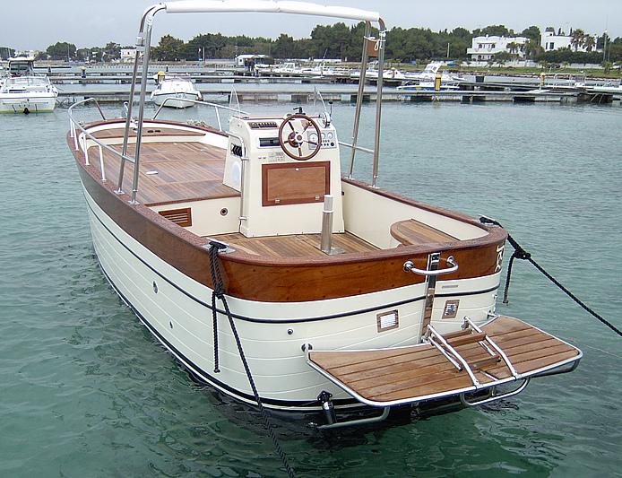 Nuovita 39 gozzo latino consolle centrale 30 ottobre 2005 for Barca a vapore per barche da pesca