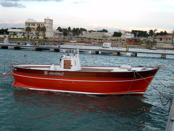 Gozzo latino cantiere navale latinoprogettazione barche for Barca a vapore per barche da pesca